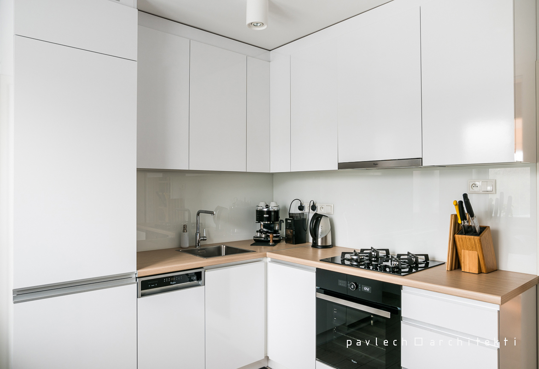 pavlech-architekti-kuchyna-cachtice-drevotrieska-laminovana