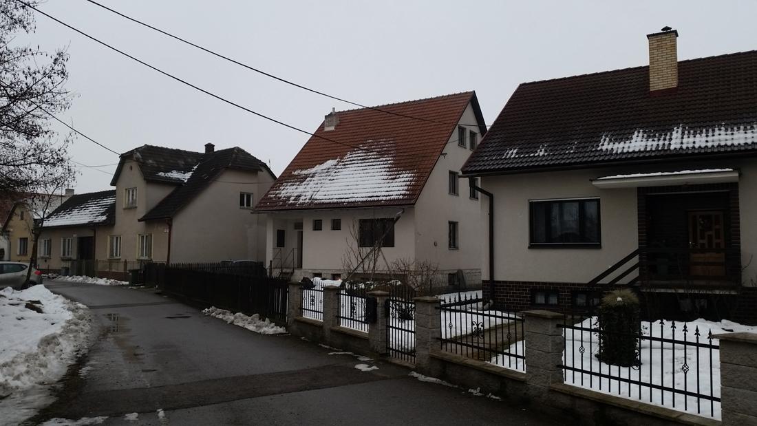 0001-rodinny-dom-belusa-puchov-rekonstrukcia-pavlech-architekti