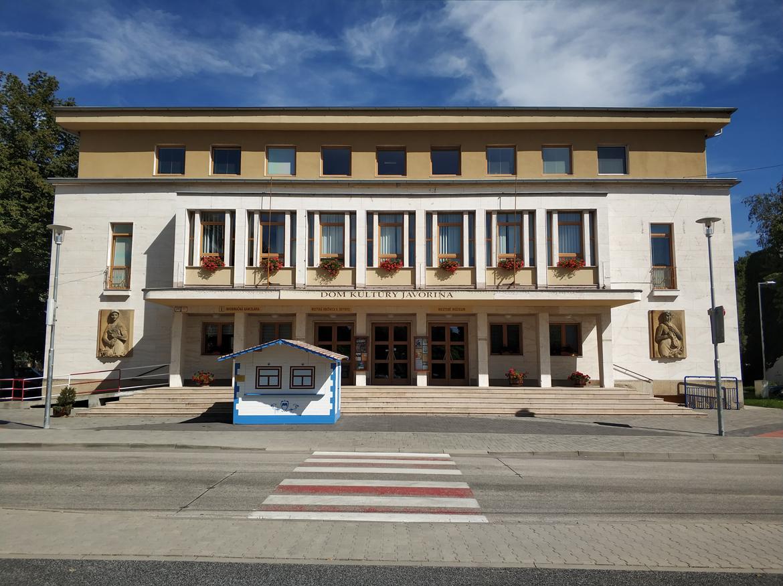 001-rekonstrukcia-priestorov-dk-javorina-stara-tura-pavlech-architekti