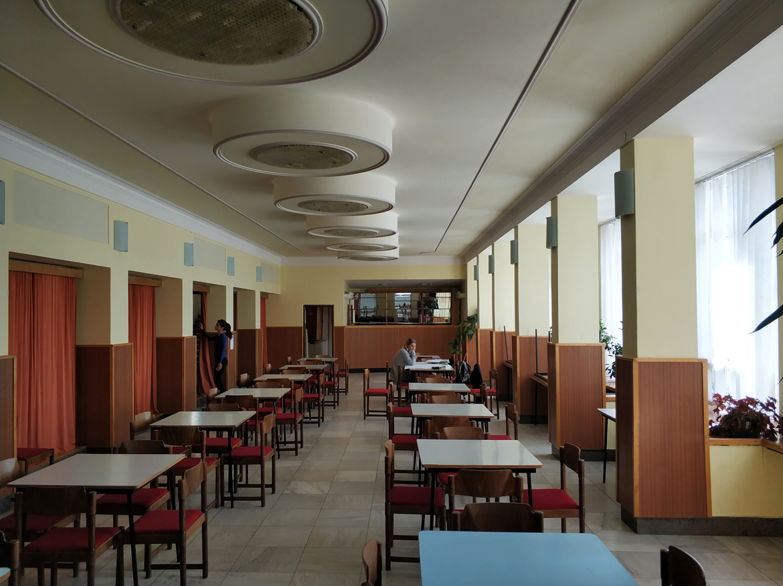 017-rekonstrukcia-priestorov-dk-javorina-stara-tura-pavlech-architekti