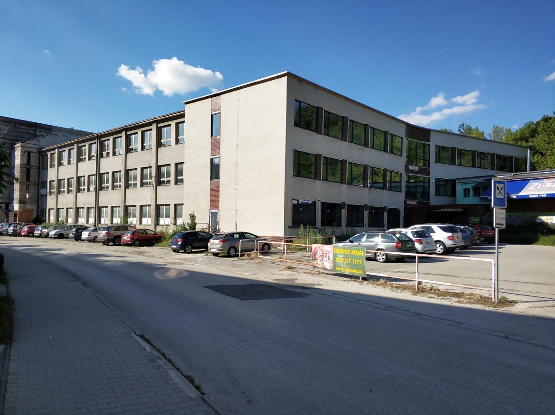 016-konverzia-skoly-centrum-administrativy-stara-tura-pavlech-architekti