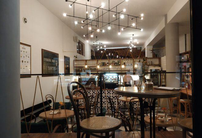 cafe-republika-zilina-pavlech-architekti-kaviaren-titulna